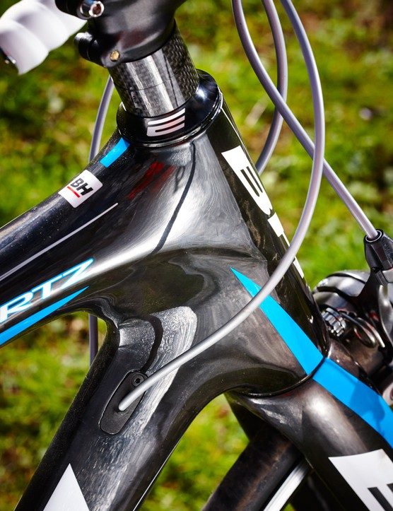 The tapered head tube features drag-reducing shaping