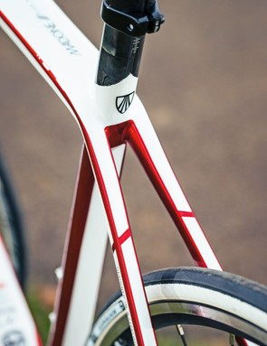 Rather than a seatpost in a seat tube, the Trek has a Ride Tuned 'cap' on the seatmast