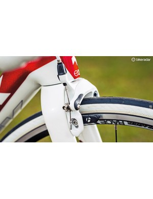 An integrated front brake reduces drag