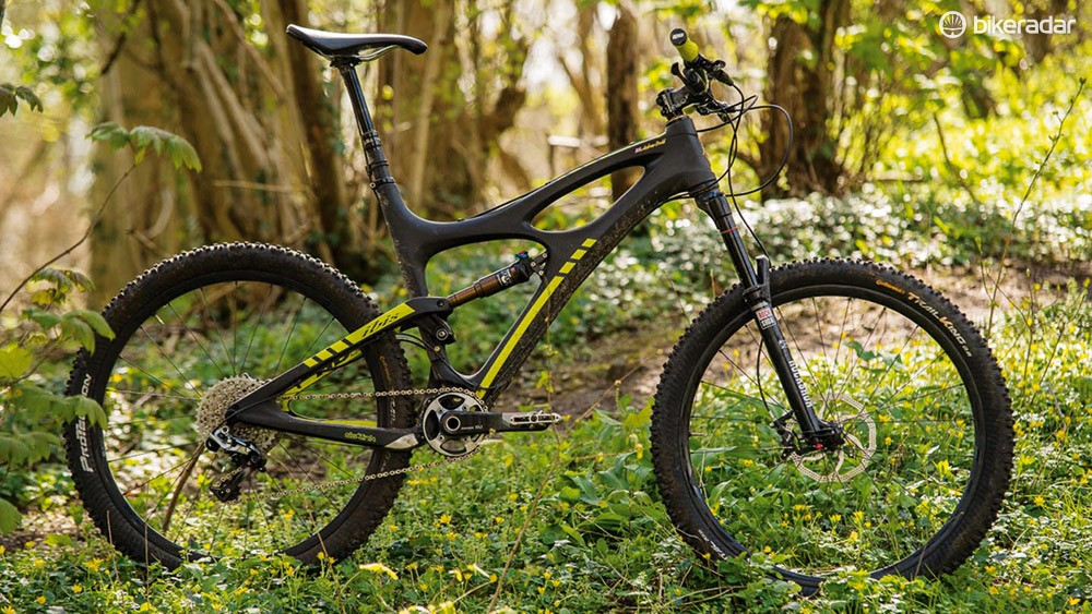 The versatile HDR can be transformed from a 650b trail bike to a 26in enduro rig
