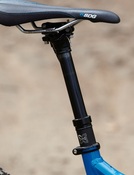 An externally routed X-Fusion dropper post, SRAM transmission and Formula C1 brakes round out the Dune's spec