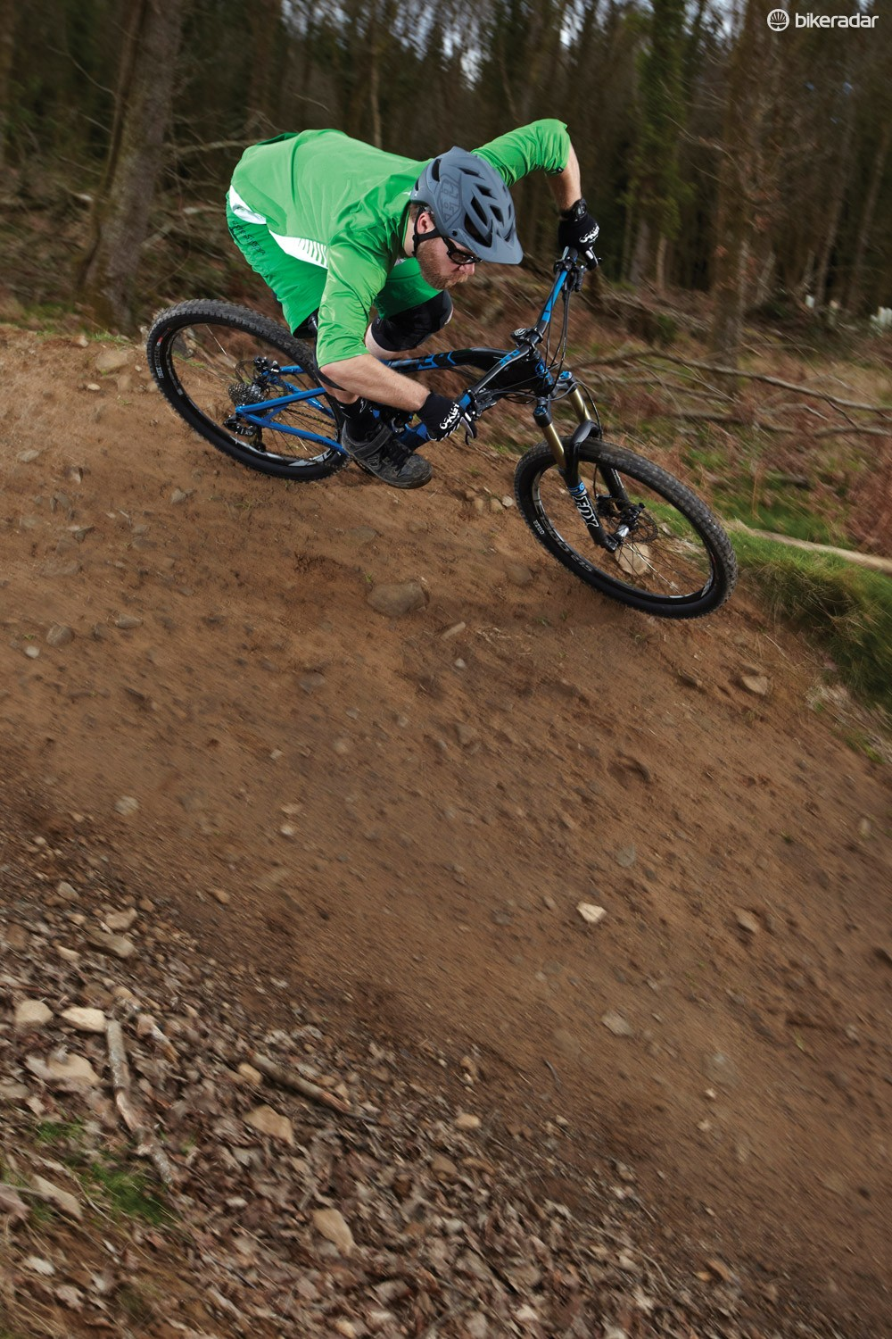 The big Onza tyres underline the already comically surefooted Dune with maximum grip to create a total ripper of a bike