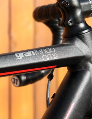 The stealthy matt anodized finish is well done with even the stem and handlebar all perfectly matched