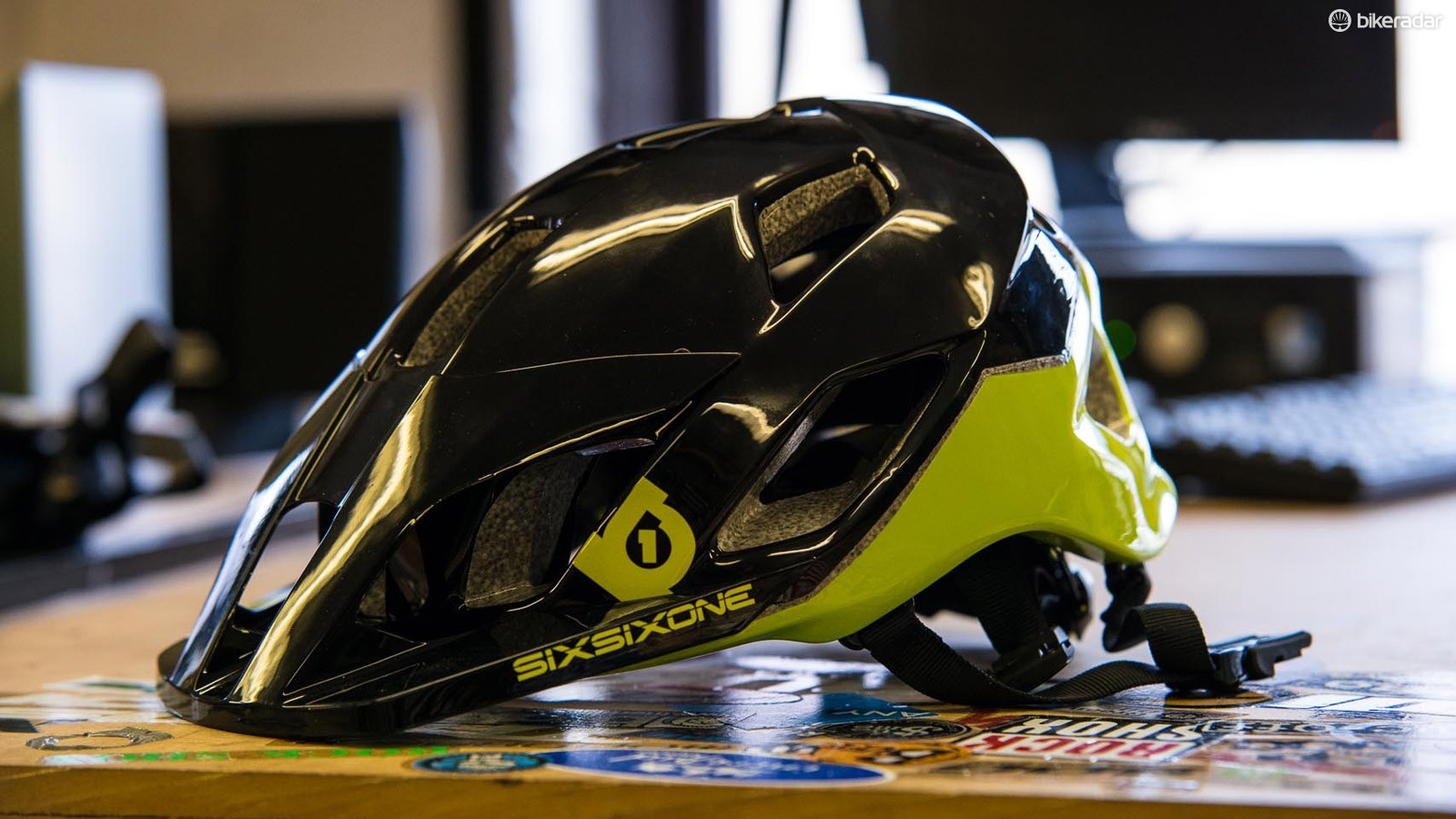 Six Six One Evo AM helmet