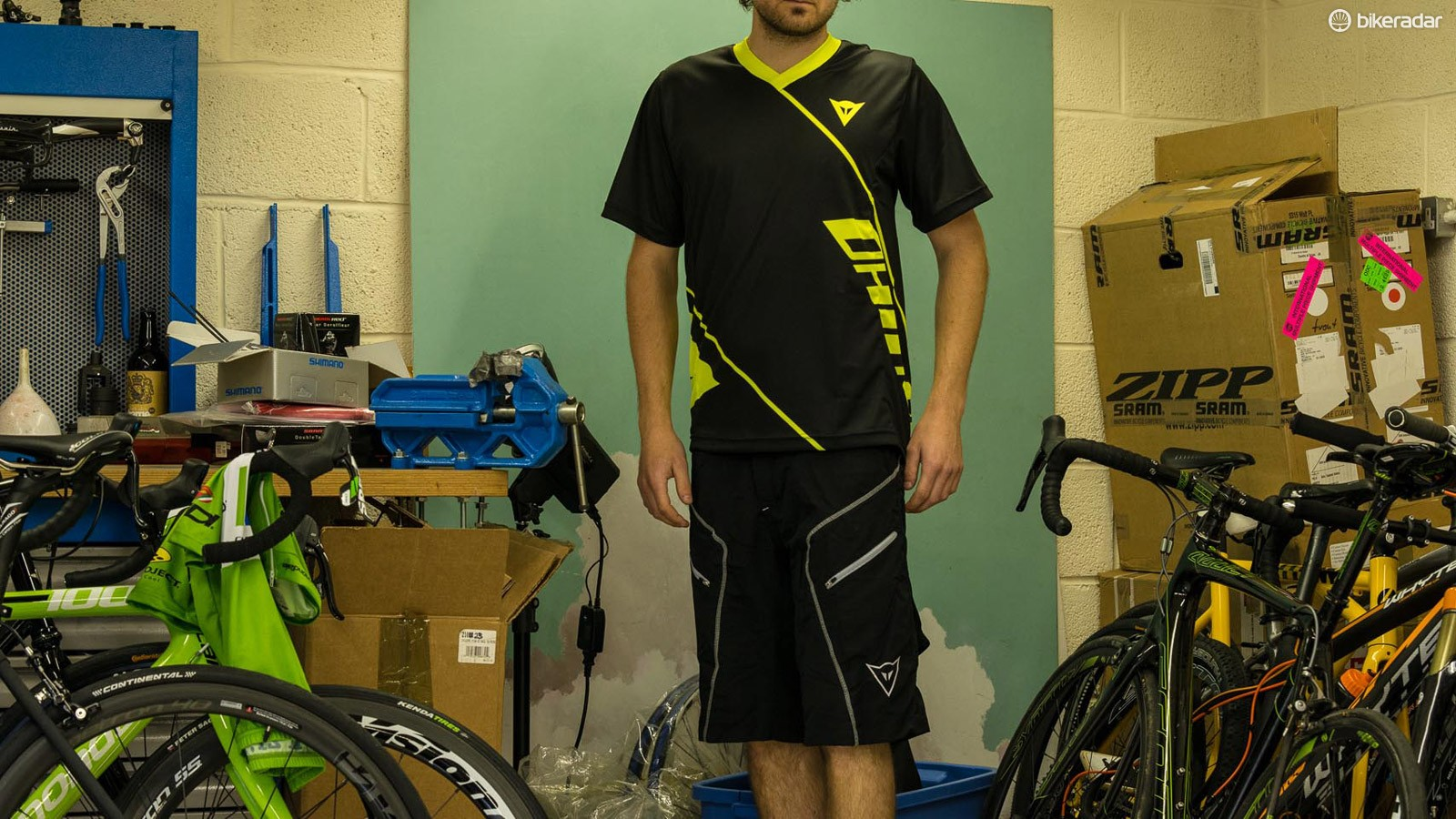 Dainese Basanite jersey and Drifter shorts