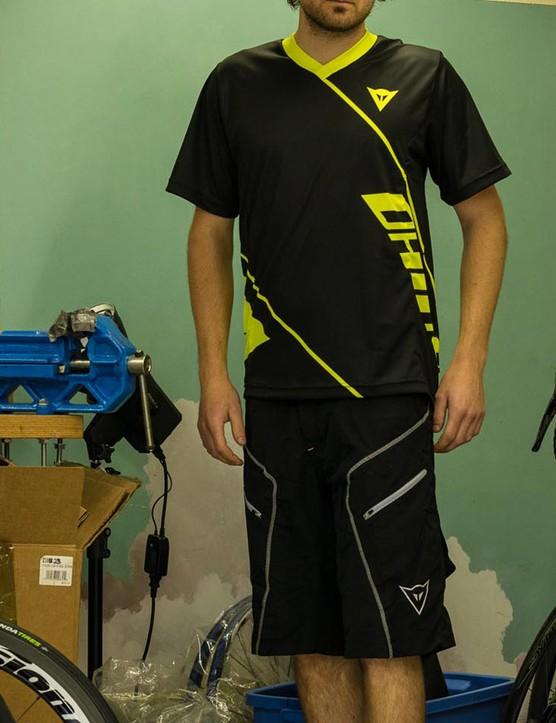 Dainese Basanite jersey and Drifter shorts