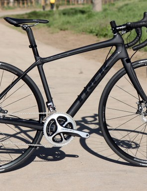 Trek has added two disc brake-equipped variants of its outstanding Domane endurance bike. The top-end Domane Disc 6.9 shown here costs US$7,899 / £6,000 and weighs just 7.52kg/16.58lb