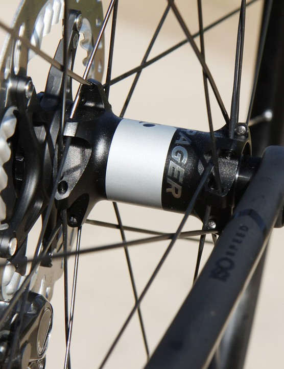 The new Bontrager Affinity Elite Disc TLR wheels use the company's so-called 'stacked' spoke lacing pattern that supposedly boosts wheel stiffness by pushing the spokes further apart