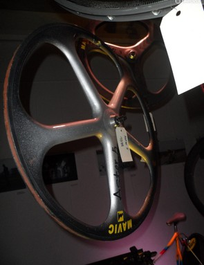 Early 5 spoke carbon track wheel, 1988's Aster 5