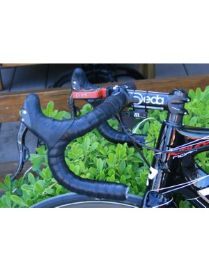 Boeckmans' track-style bars are wound with Lizard Skins tape