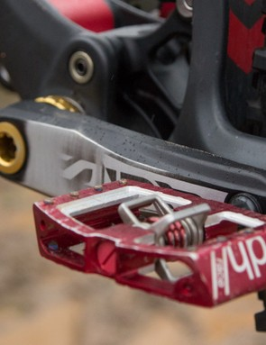 Crank Brother Mallet Downhill Race pedals keep Minnaar clipped to his bike