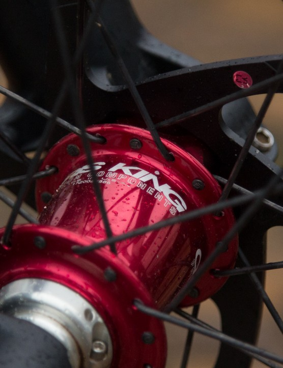 The Enve rims are laced to Chris King ISO hubs, Enve sells this very same wheelset for US$2,748