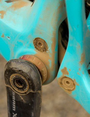 This use of this recessed lower link required Santa Cruz to make the Nomad a 1x-specific frame