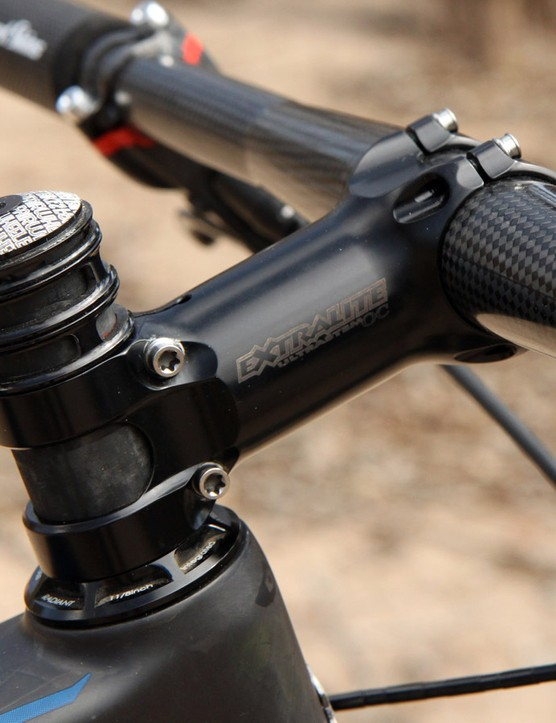 In addition to weighing next to nothing, the Extralite stem features a tidy clamp bolt layout that's easy on the knees