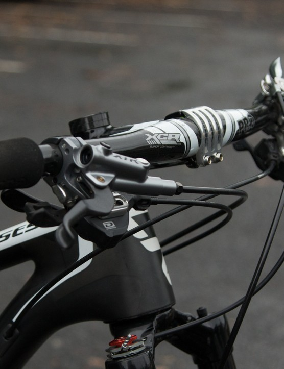 Light weight PRO foam grips and a PRO XCR flat carbon handlebar - 660mm is quite wide for someone of Neff's size