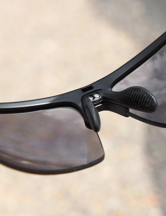 The adjustable nosepiece on the Ryders Eyewear Caliber offers a semi-custom fit