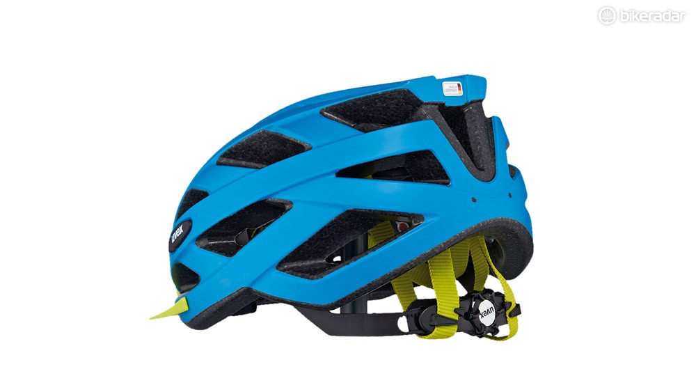 A ratchet system, instead of the usual clip, secures the helmet to the head at the neck