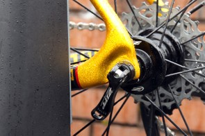 The chain stays flow smoothly around into the seat stays