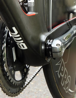 An FSA bottom bracket adapts the Shimano Dura-Ace spindle to the oversized shell