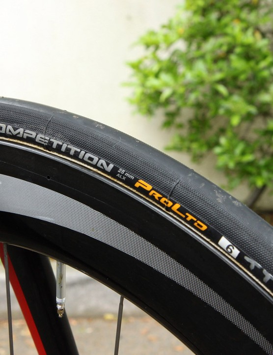 25mm wide Continental Competition ProLtd ALX tubular tyres are fitted front and rear - a size once unheard of for a time trial bike