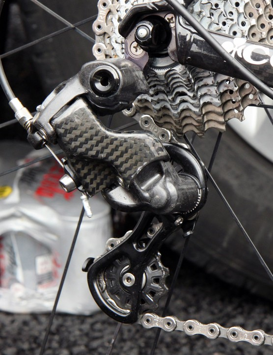 The rear derailleur is all-new with an offset parallelogram geometry