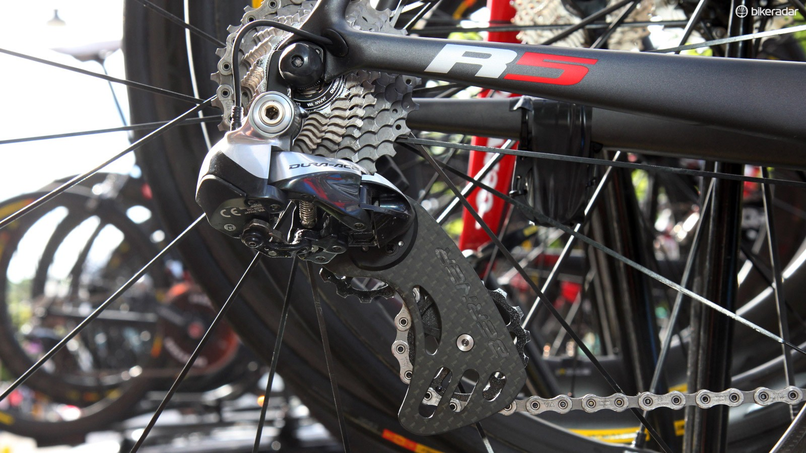 Ryder Hesjedal (Garmin-Sharp) is yet another rider who has joined the Berner oversized pulley camp. While the frictional advantage over stock pulleys is relatively small, it's still real