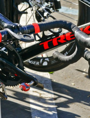 As compared to the standard SRAM Red mechanical shifter at far right, the electronic one has a notable slimmer body