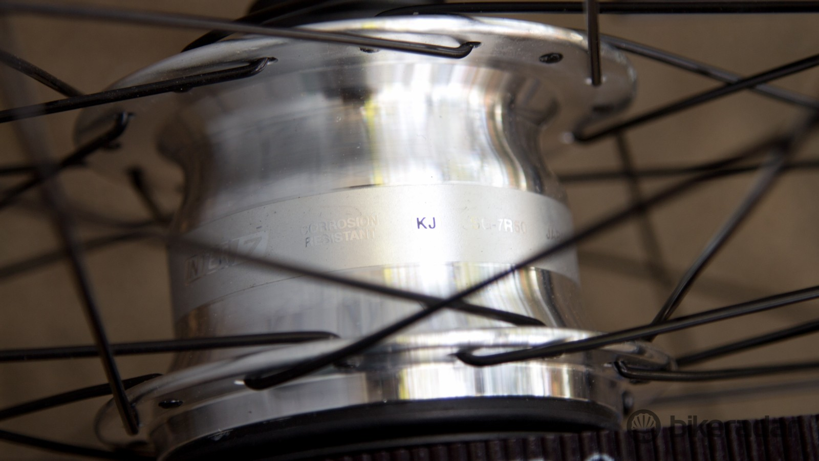 Seven gears are hidden inside this rear hub. The downsides? Internal geared hubs add weight, offer limited gear ranges and have additional resistance
