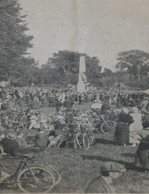 Up to 20,000 turned out to the unveling of the 1921 war memorial for cyclists killed in action