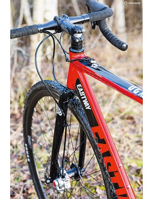 This Eastway's geometry roughly equates to true CX machines, but it's intended as more of an all-rounder
