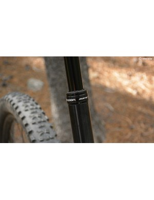 The X-Fusion Manic's infinitely adjustable 150mm dropper post puts the saddle in party mode