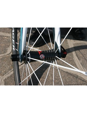 The Race XXX Lite wheels feature carbon hubs and carbon rims.