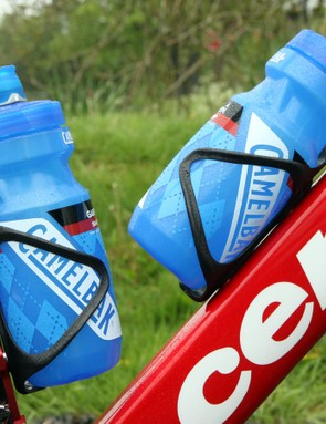 Camelbak bottles are held tightly with Arundel Mandible carbon fibre cages