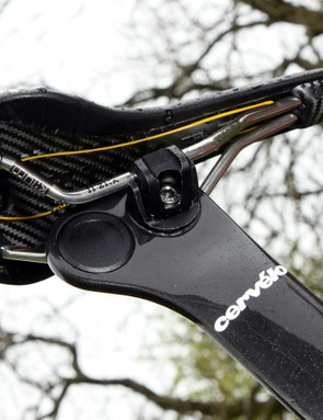 Fi'zi:k offers its sponsored riders a wide range of options. Here, Dan Martin's (Garmin-Sharp) Antares model is built with a carbon fibre shell and k:ium metal rails
