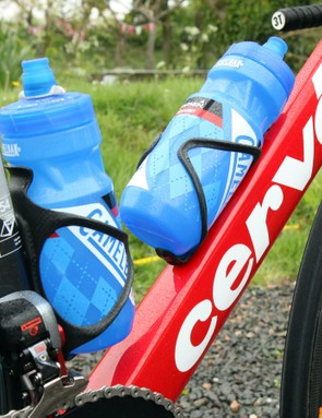 Cervélo claims that the S3 down tube's aerodynamic profile was shaped with water bottles in mind