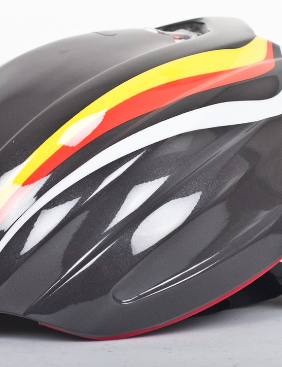 The Aeroshell is a perfect, snug fit on the Z1