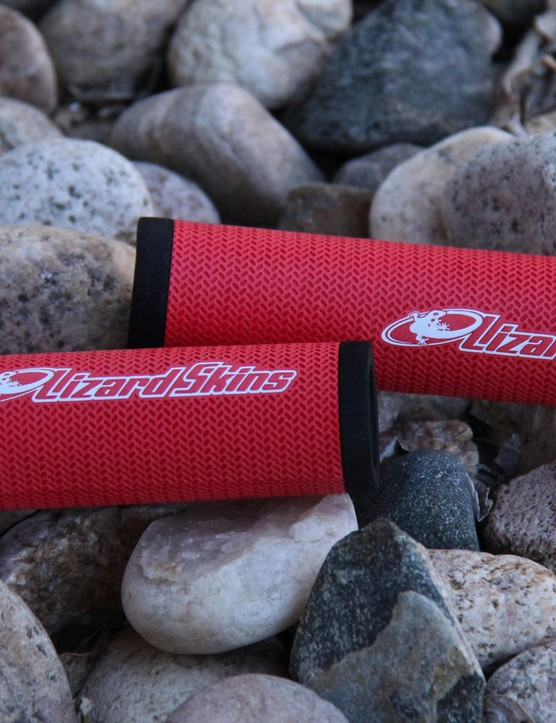 The Lizard Skins DSP grips offer the same grippy texture as the company's popular DSP bar tape