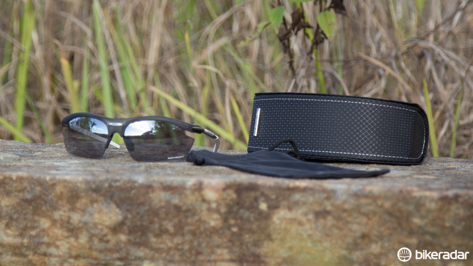 A soft case, which doubles as a wipe cloth, is included with the glasses and hardcase
