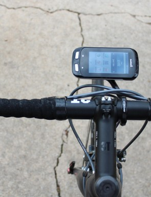 The Garmin Edge 1000 in horizontal orientation on the K-Edge Mount XL