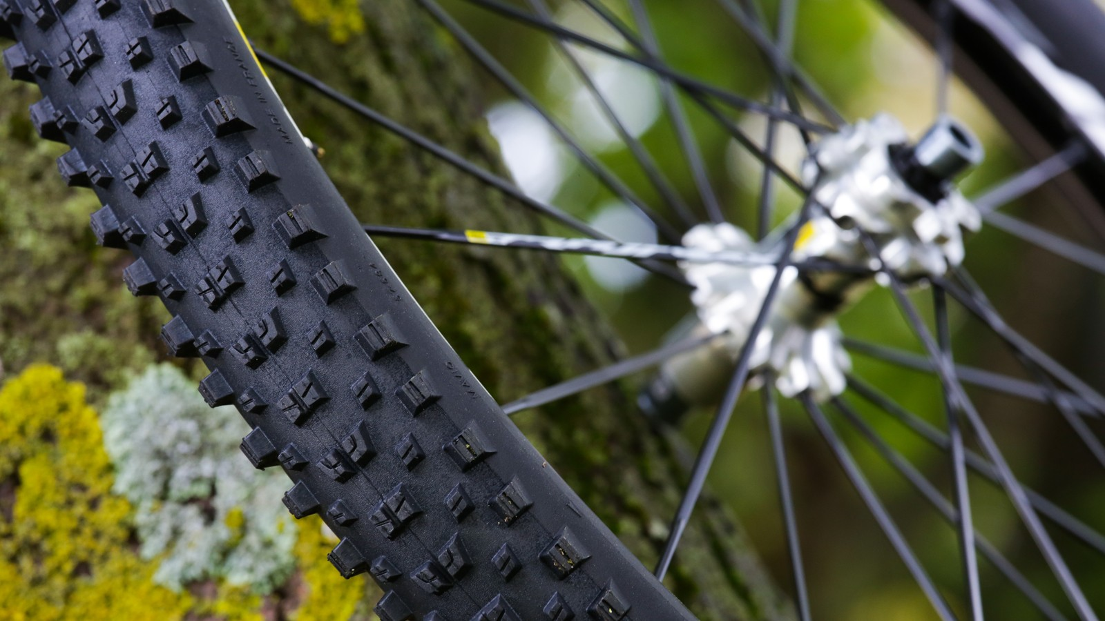 Shallow, evenly spaced knobs help to reduce rolling resistance but still offer grip in a wide variety of terrains and conditions