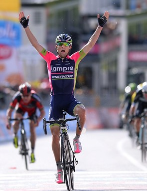 Diego Ulissi (Lampre-Merida) captured his first Giro stage win after 202km