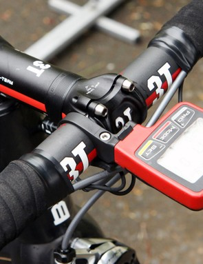 The 3T cockpit is dressed up with an SRM PowerControl 7 computer head