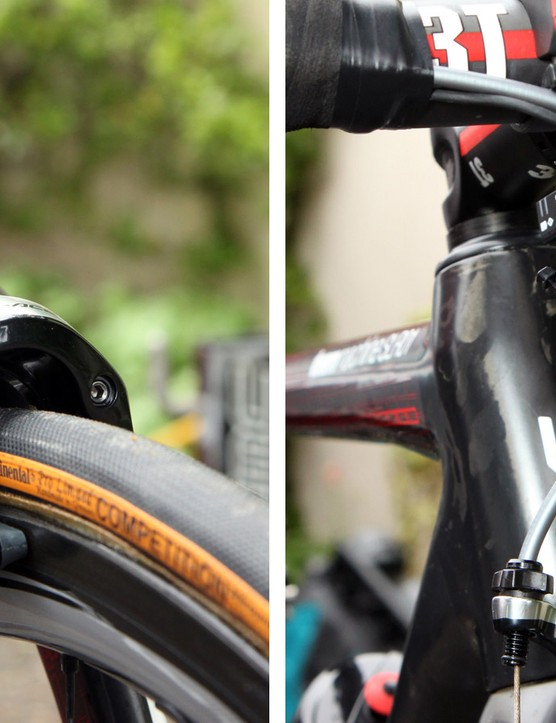 Cadel Evans (BMC) runs his brakes UK/Aussie-style with the right-hand lever clamping the front caliper