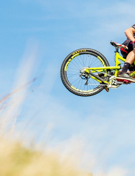Many big downhill teams have made the switch to 650b wheels