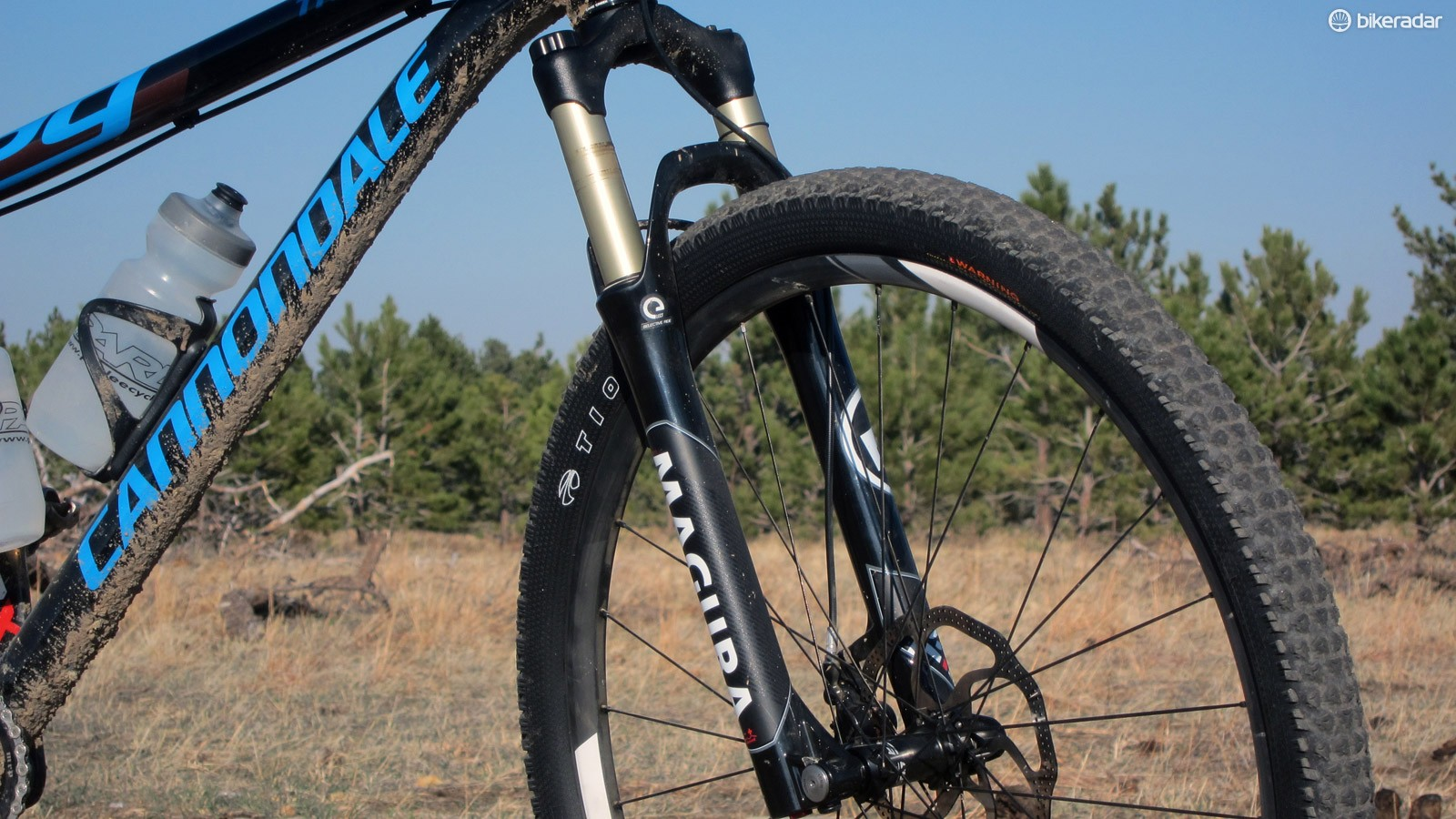 The Magura TS8 100 eLECT 29 fork features the company's impressive automatic electronic compression damper