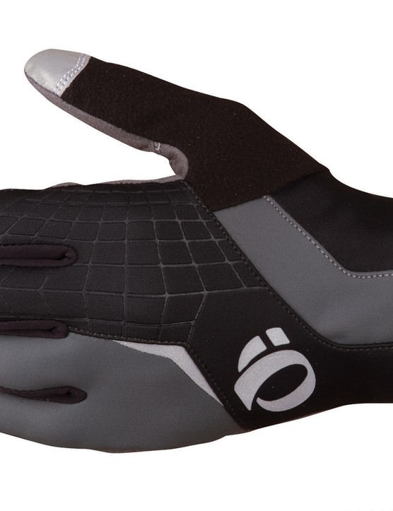 The Pearl Izumi Cyclone Gel Glove finds a happy medium between warmth and dexterity