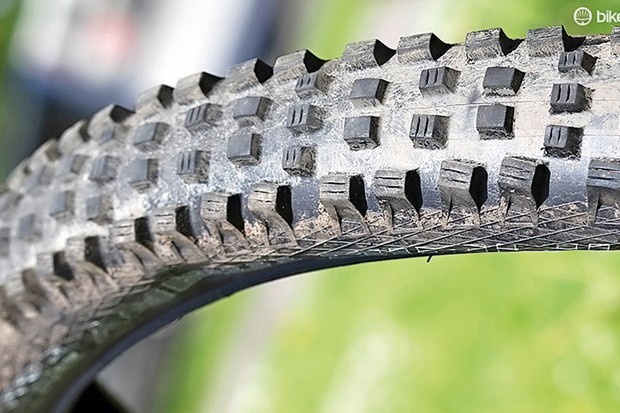 Schwalbe Magic Mary 29x2.35in tyre