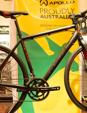 The budget Volare receives disc brakes and 32mm tyres. It's ready for serious commuting