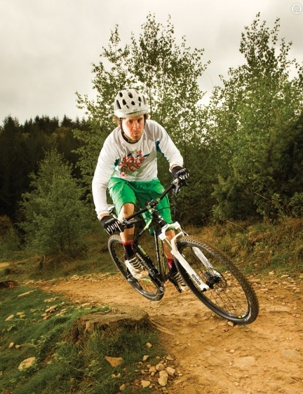 The Team 29er's rear end is uncompromisingly short and stiff, with responsiveness –and ride quality – to match