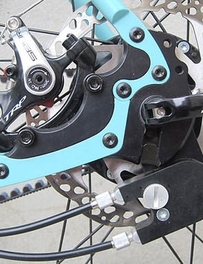 The new design dropouts enable you to switch between derailleur, singlespeed and hub gear options